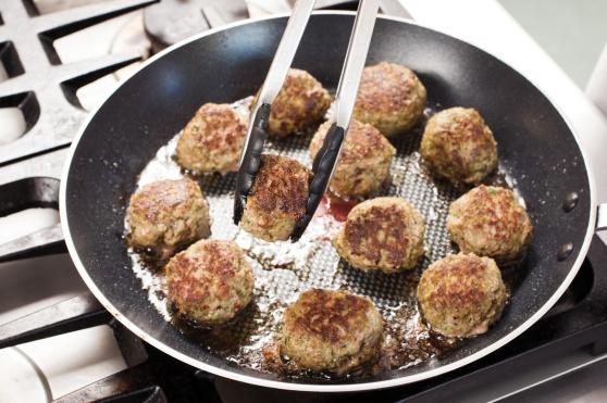 STP_SpaghettiMeatballs_BrownMeatballs_02