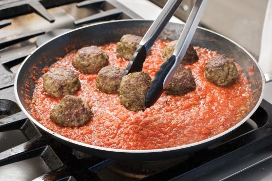 STP_SpaghettiMeatballs_SimmerMeatballs_02
